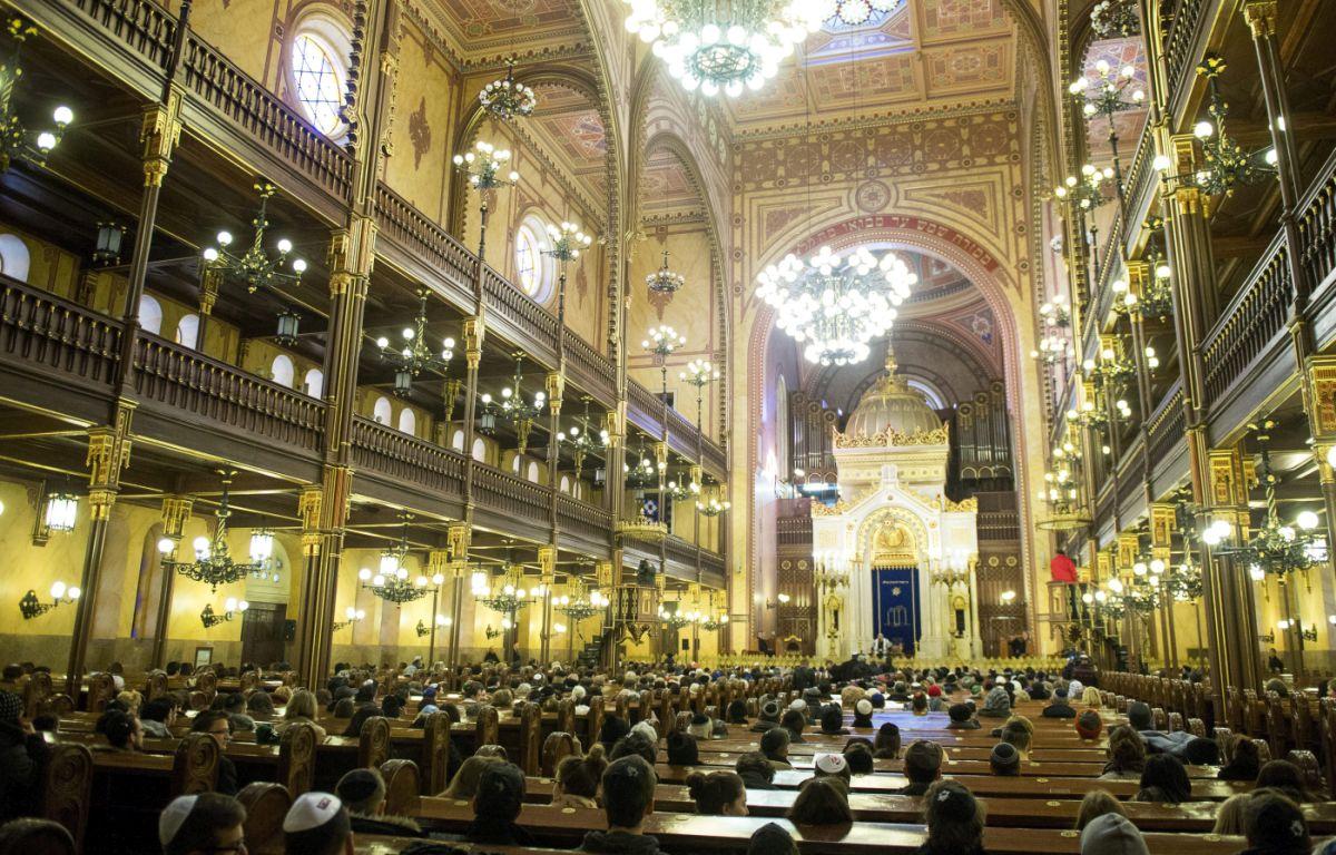 Megemlékezés a budapesti zsinagógában